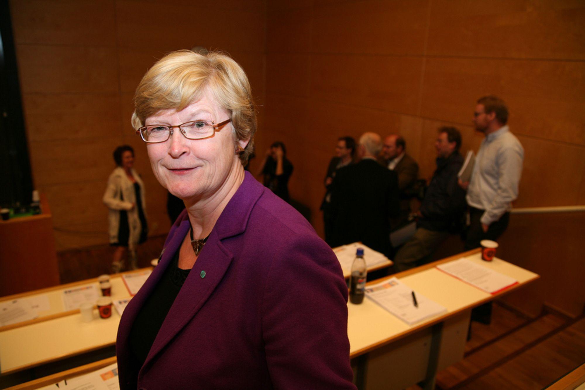 REALFAG: Marianne Harg angriper enhetsskolen.