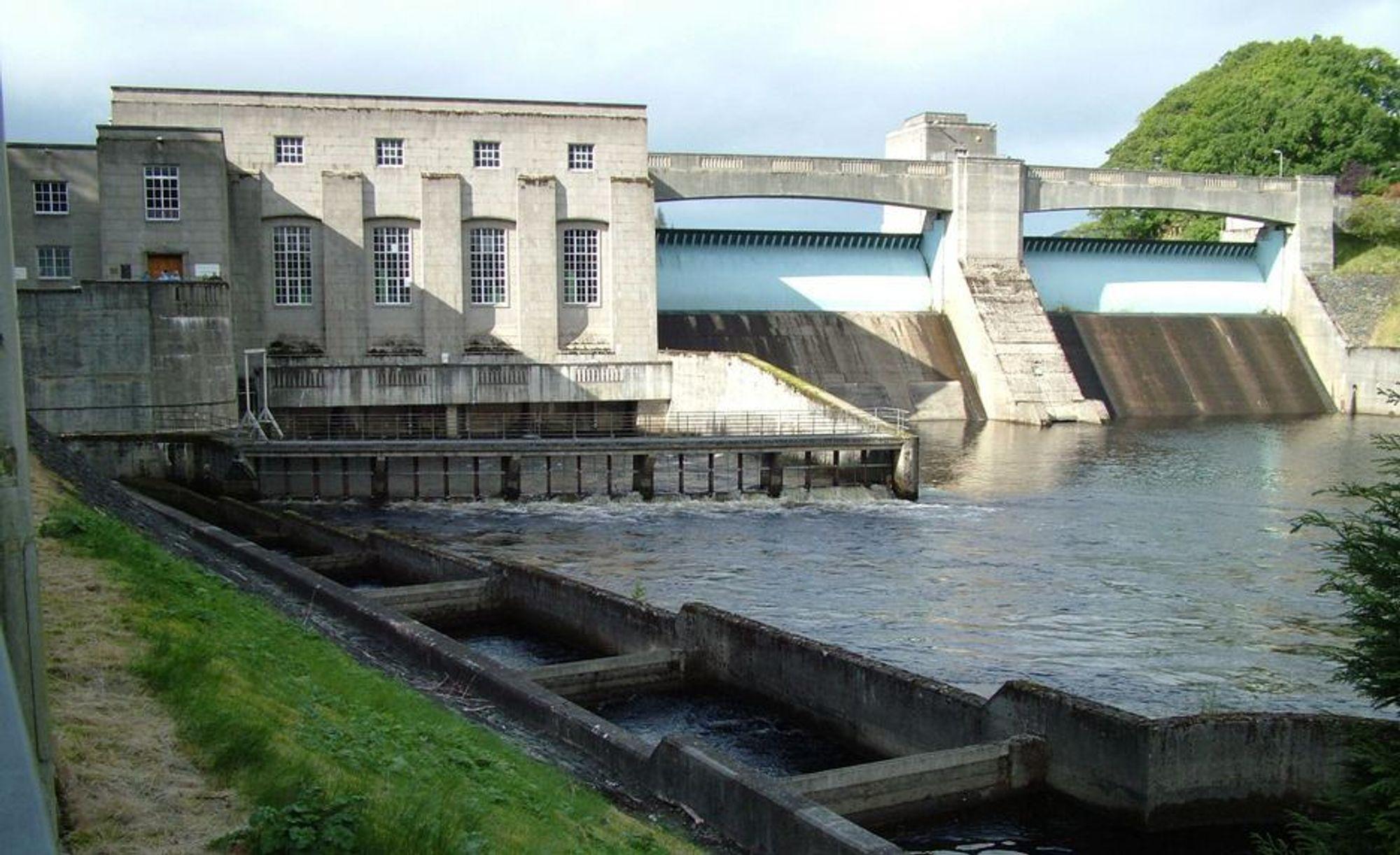 KRAFTRESERVE: Dette er Scottish and Southern Energys vannkraftverk Pitlochry. Selskapet søker nå skotske myndigheter om å få bygge et anlegg ved et annet kraftverk for å pumpe vann opp fra lavere til høyere reservoarer. Slik får selskapet tilgang på 100 GWh reservekraft til bruk i perioder med topplast.