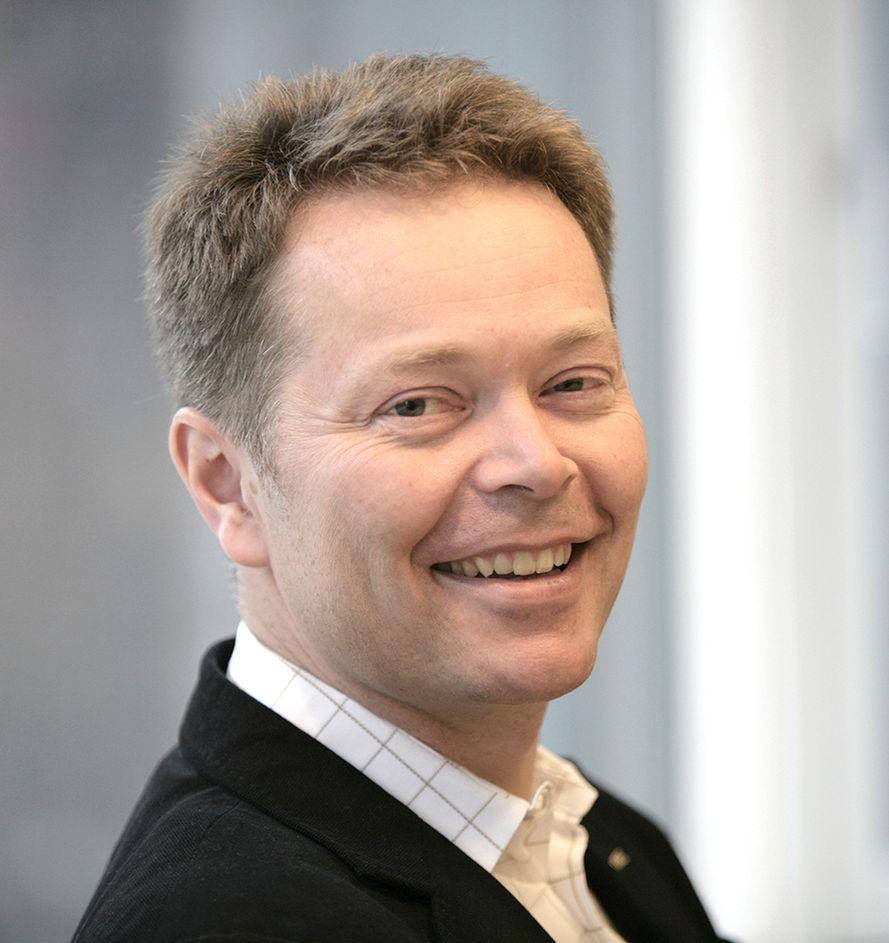 OLYMPISK: Christian Nørgaard Madsen (44), administrerende direktør i Cowi, har svært gode minner fra arbeidet med ishallene under OL på Lillehammer.