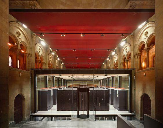 EUROPAMESTER: Mare Norstrum, romernes gamle navn på Middelhavet , er også navnet på Europas raskeste datamaskin. En riktig regnemester er IBM-maskinen med en toppytelse på 94 Teraflops der den står i riktig  hyggelige omgivelser i Barcelona Supercomputing Center.