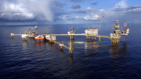 – Oljeselskapene krisemaksimerer