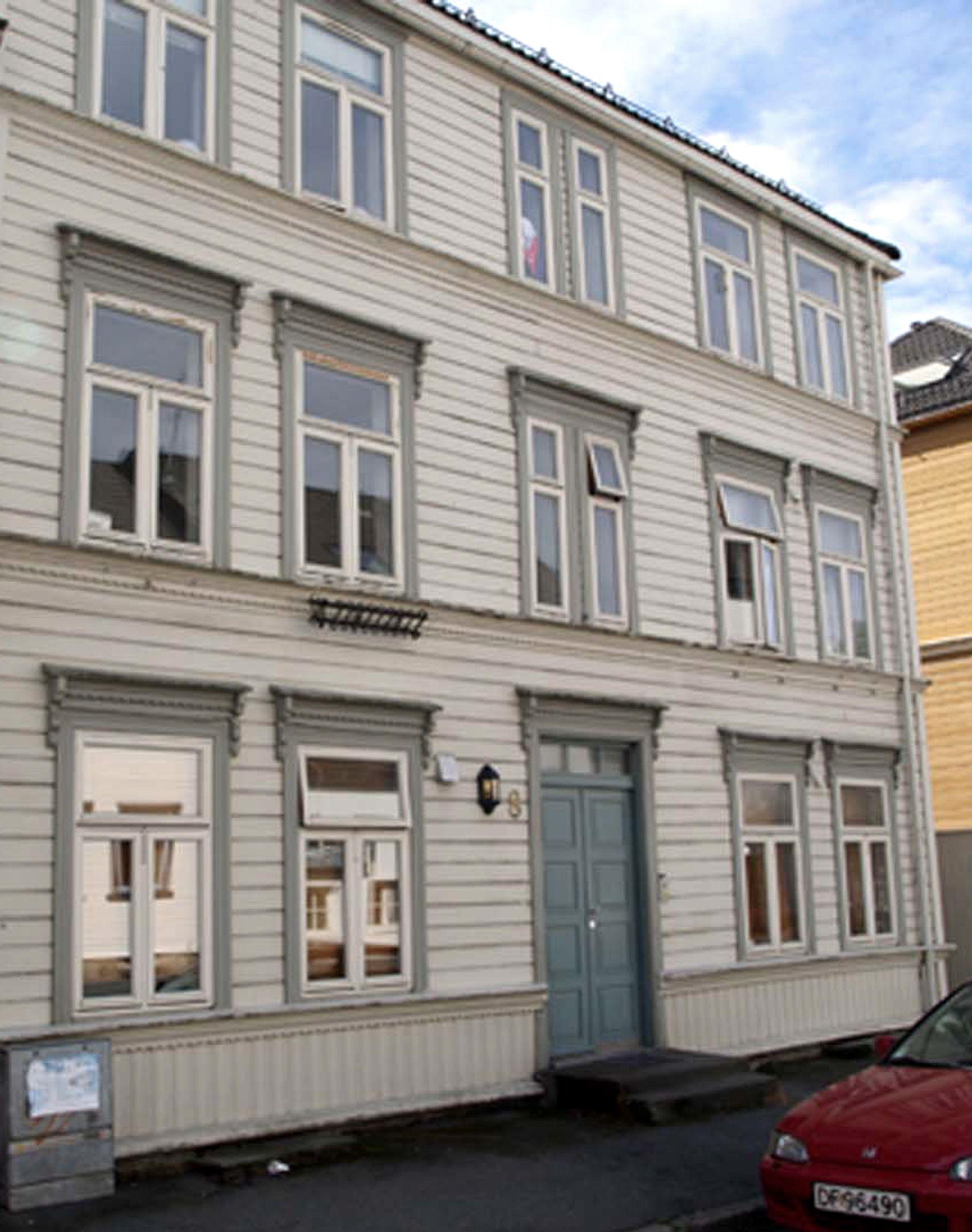 Dette er et av husene som skal ut på tur til sommeren. Når det kommer fram til bestemmelsesstedet, blir det stående 2-3 år før det flyttes tilbake.