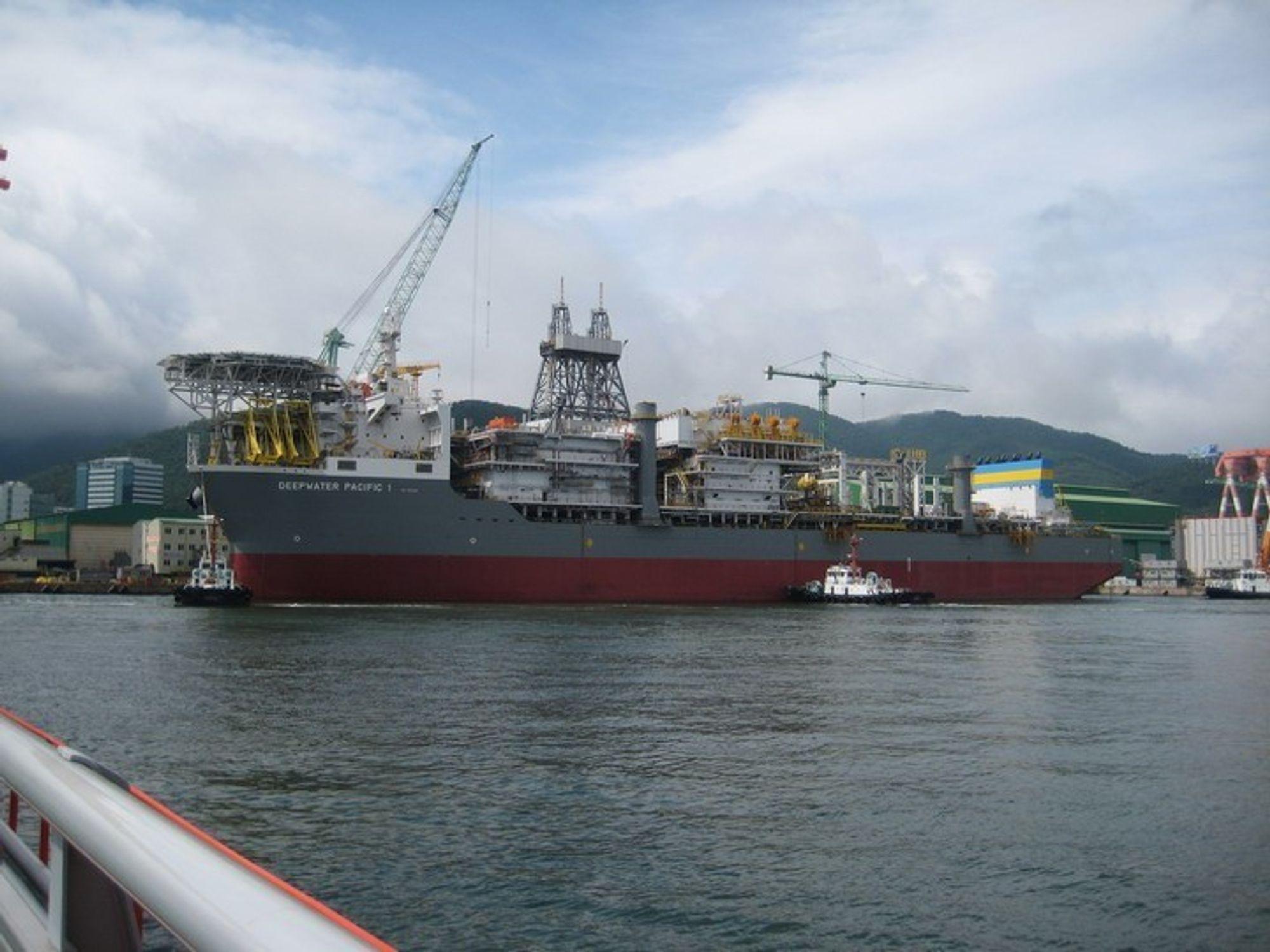 FÅR STATOIL-KONTRAKT: Samsung Heavy Industries' verft i Sør-Korea har fått storkontrakt med Statoil. Illustrasjonsfoto fra verftets bygging av et boreskip.