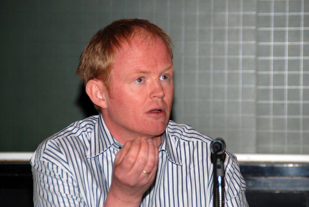 Lars Haltbrekken i Naturvernforbundet vil sammen med NHO, FrP og Norsk Industri ha regjeringen til å avstå fra å selge klimakvoter i år.