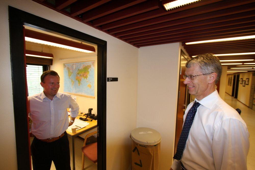 Kommunikasjonssjef Ronny Lie (t.v) og konsernsjef Olav Volldal kan glede seg over flere nye kontrakter til Kongsberg Automotive de siste månedene.