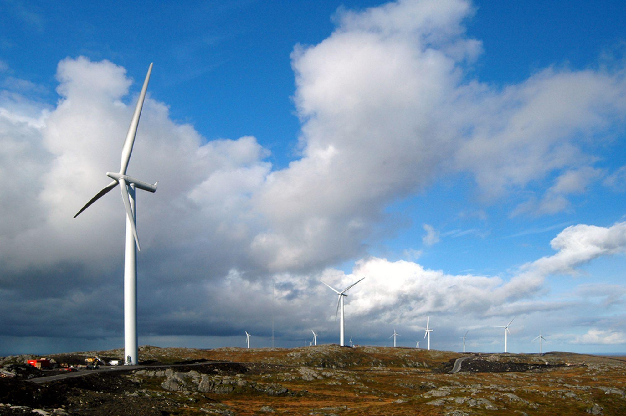 Grønne sertifikater skal få fortgang på utbyggingen av ny fornybar energi. Her fra Statkrafts vindpark på Hitra.