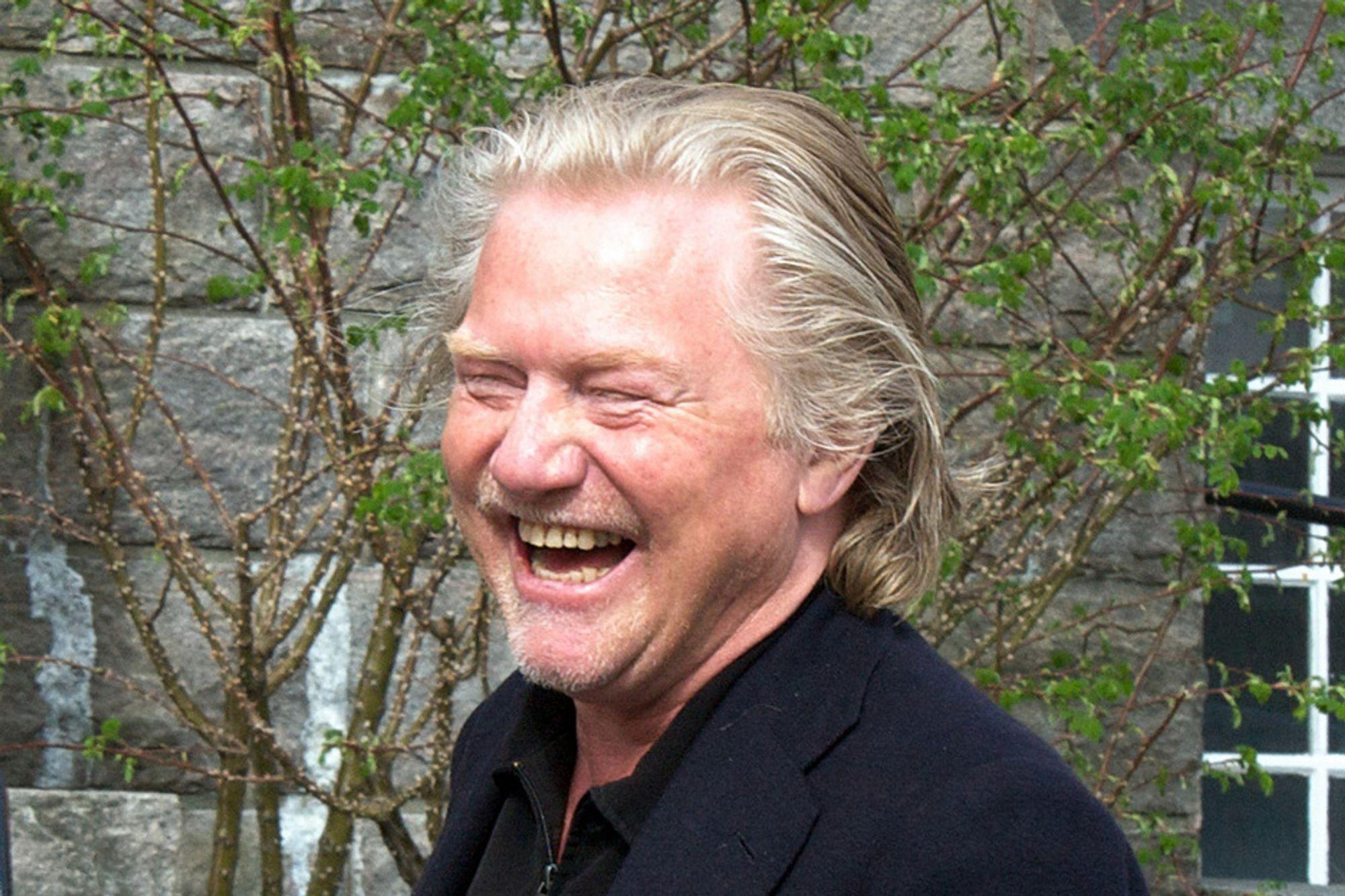 Morten Krogvold bruker ikke digitalkamera. Han trives med gammeldags film og mørkerom.
