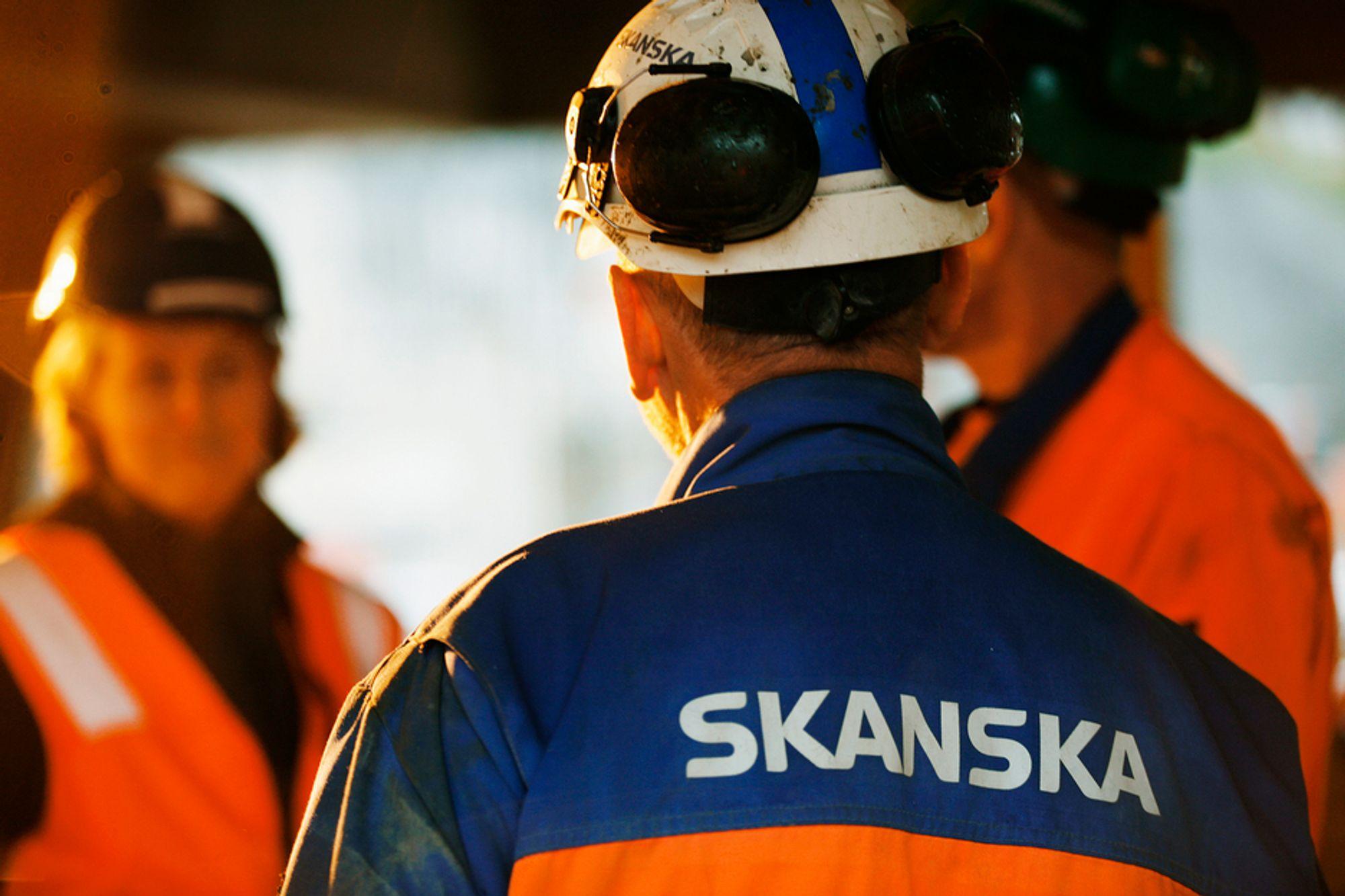 Det er færre Skanska-kjeledresser i sving på byggeplassene nå enn i fjor. Derfor tjener selskapet nesten like godt som i pre-krisetider.