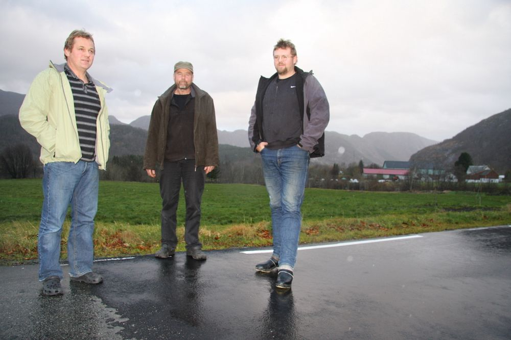 Øyvind Ullestad, Arne Ritland og Reidar Helmikstøl ønsker på hver sin kant å bygge kraftverk, men møter motstand hos Lyse.