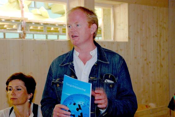 Lars Haltbrekken, passivhus, framleggelse av rapport fra Lavenergiutvalget juni 2009.
