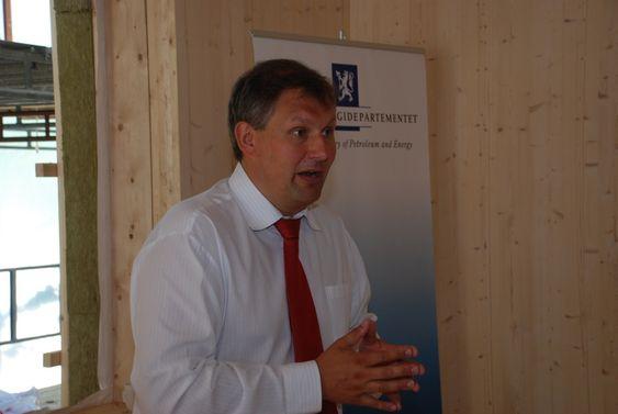 Riis-Johansen, passivhus, framleggelse av rapport fra Lavenergiutvalget juni 2009.