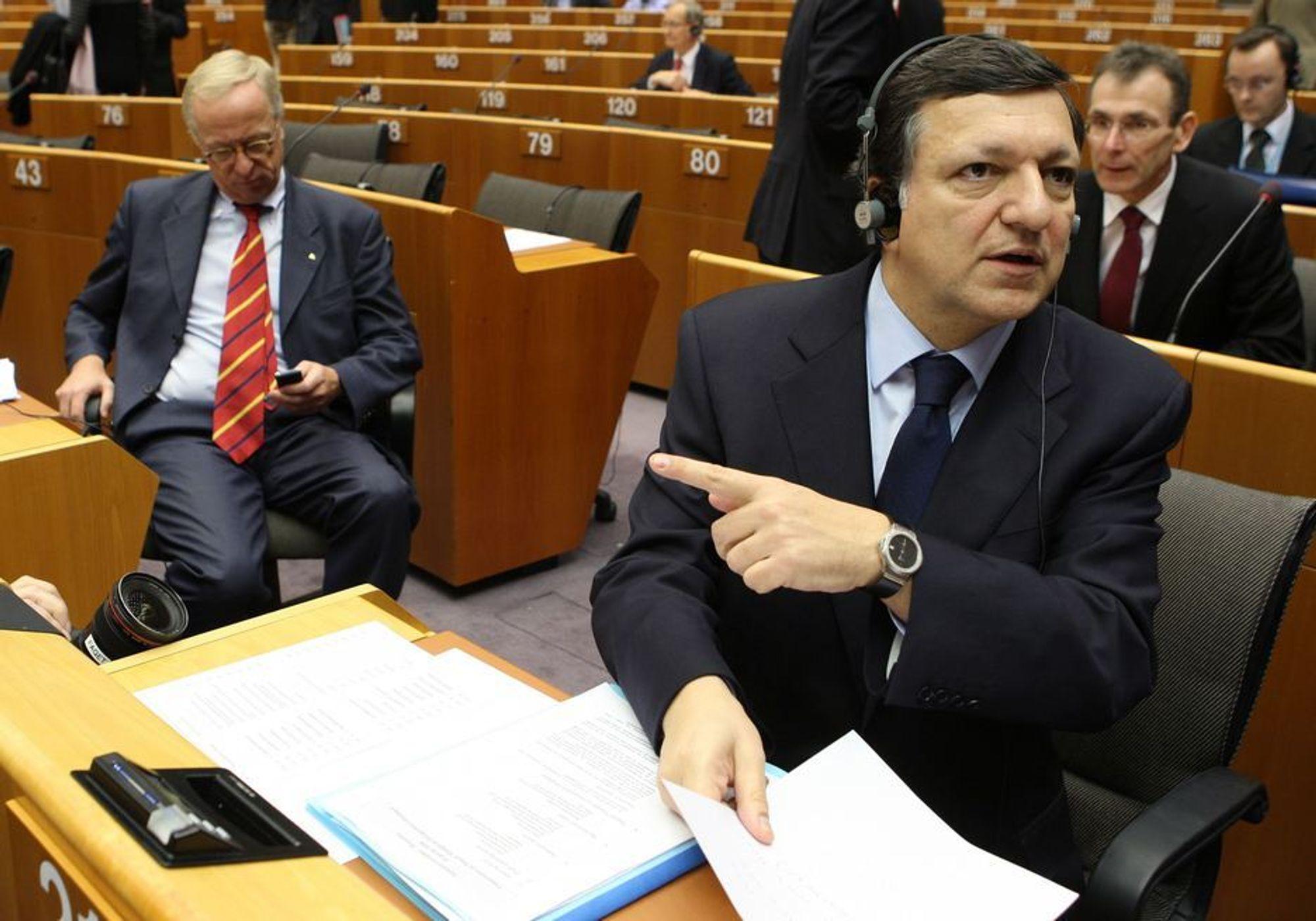 KLIMAPAKKE: EU-kommisjonens president José Manuel Barroso kunne onsdag endelig legge fram konkrete forslag til hvordan EU skal kutte en femdel av drivhusgassene innen 2020.
