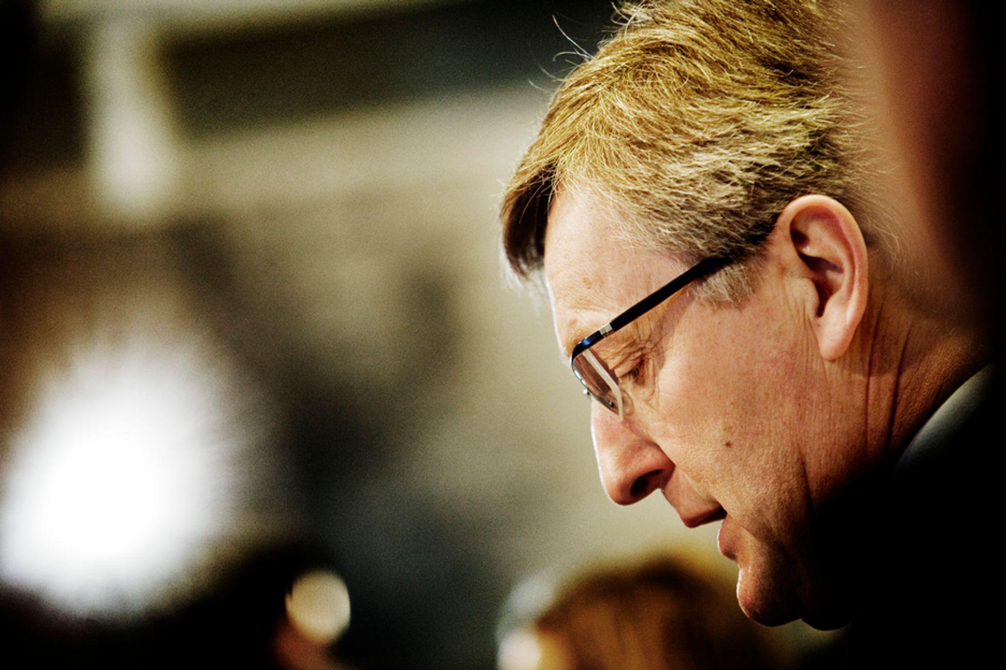 SAAB-sjef Jan Åke Jonsson orienterer onsdag om situasjonen for bilfabrikken etter at GM leverte sine planer for omstrukturering av selskapet til amerikanske myndigheter tirsdag.