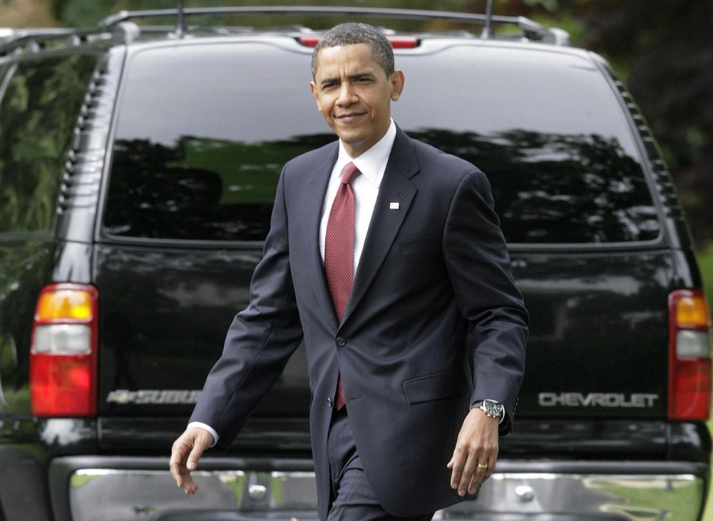 Chevrolet Suburban er en av bilene som ikke er i nærheten av å nå Barack Obamas krav om 35 mpg. Men en annen side har GM signalisert at modellen neppe finnes på markedet i 2016, slik at den neppe vil bidra til å dra opp gjennomsnittsforbruket til den nye amerikanske bilparken.