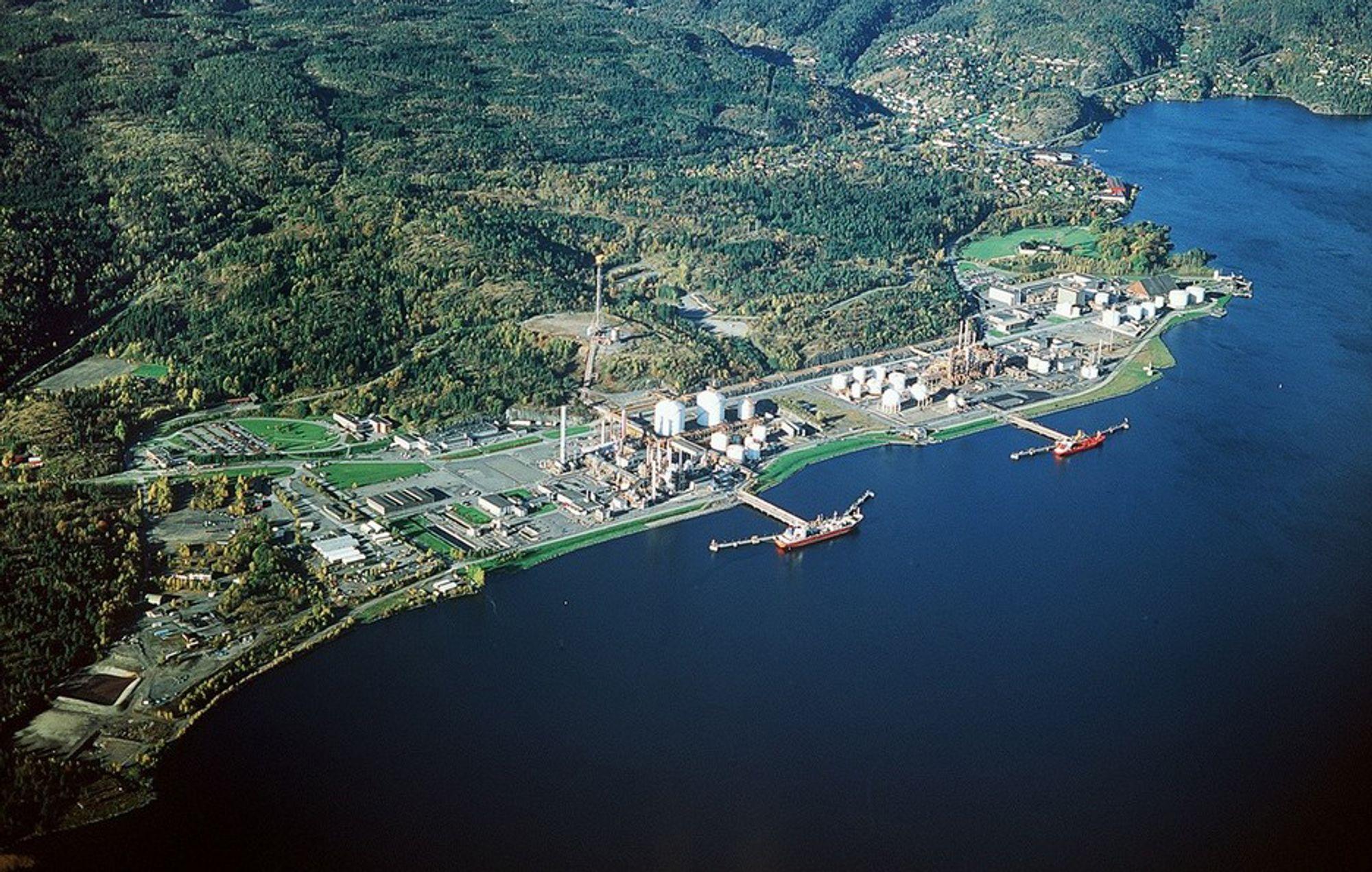 Her på Ineos' industriområde på Rafnes skal Puralube Nordic etablere sitt nye reraffineringsanlegg for spillolje.