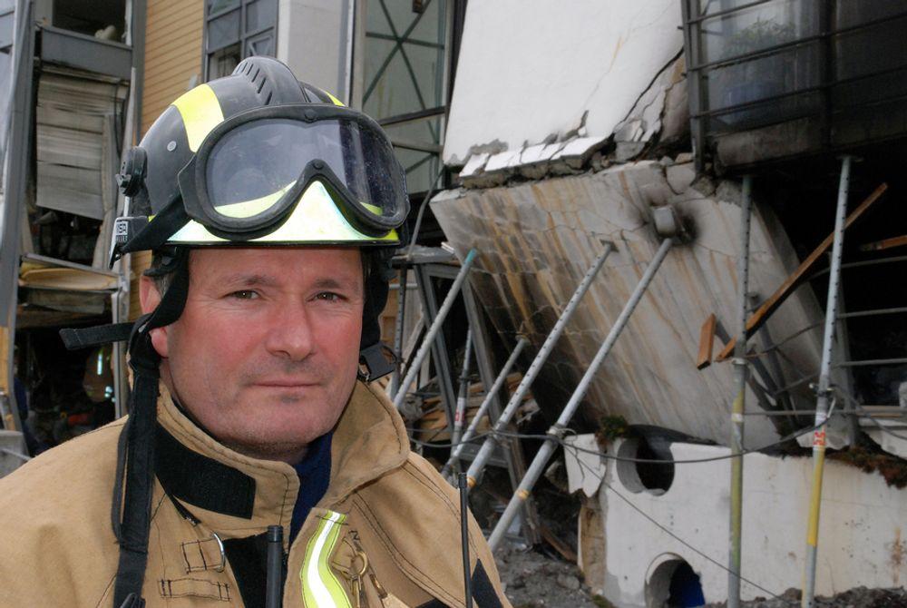 PENGEKRANGEL: Brigadesjef i Oslo brann- og redningsetat, Ståle Lindhardt, fant bare 9 utsparringer under sin befaring. Hjelvik Betongsaging opererer med tall opp mot 24. Det utgjør en stor prisforskjell.