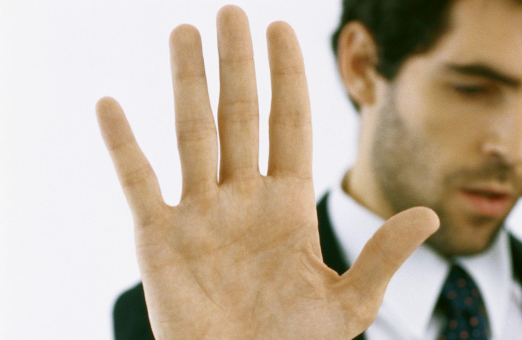 Bare i 2011 ligger det an til at 17.000 ansatte i offentlig sektor vil få sparken i Danmark.