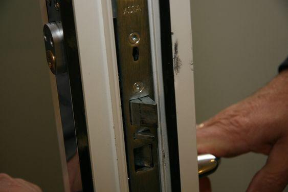 Innbrudd hos Multiconsult natt til 12. august 2009. Innvendig dør i 2. etasje