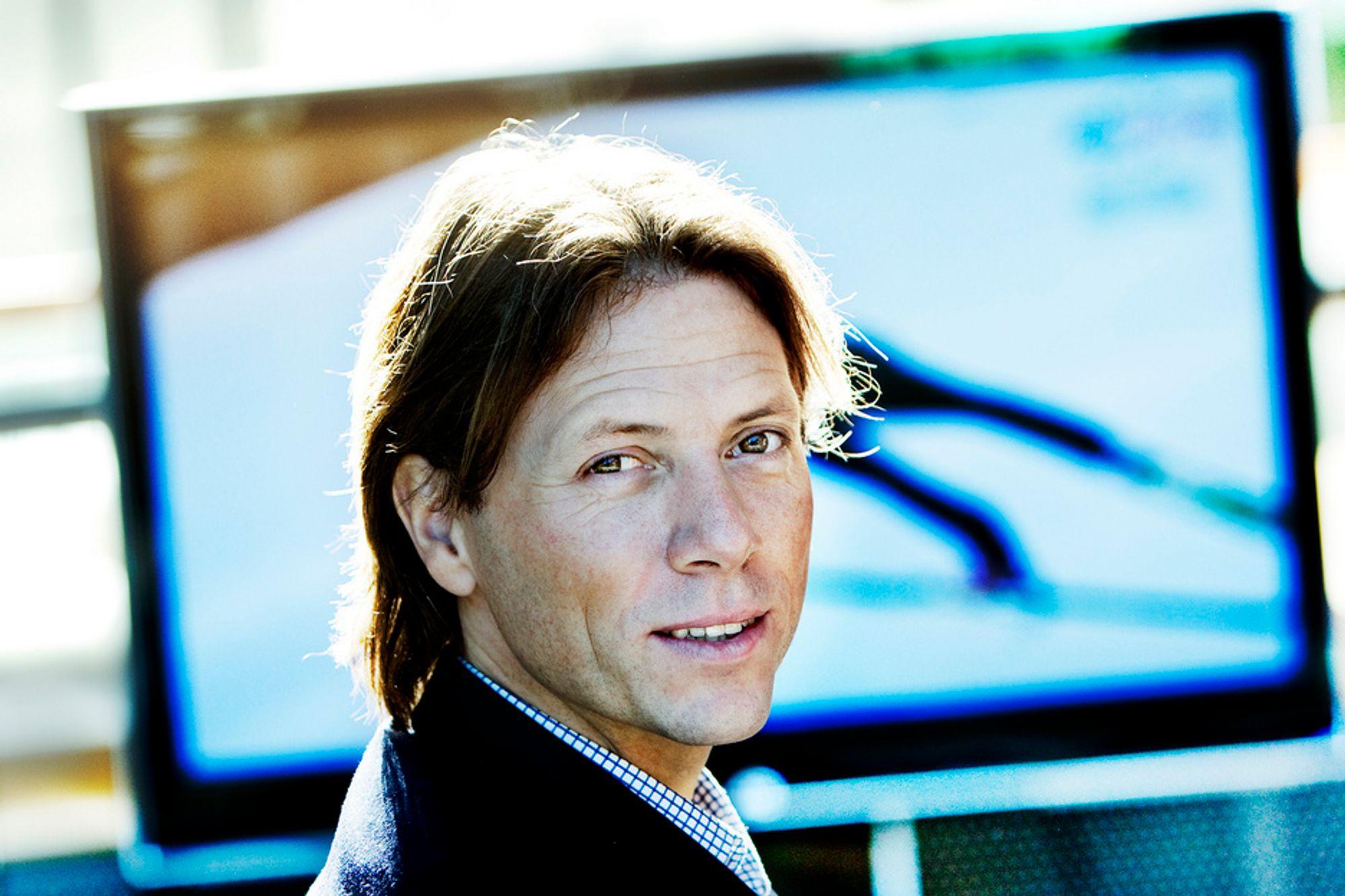 Administrerende direktør Svein-Erik Davidsen i Canal Digital lanserer 60 Mbit over kabelnettet.