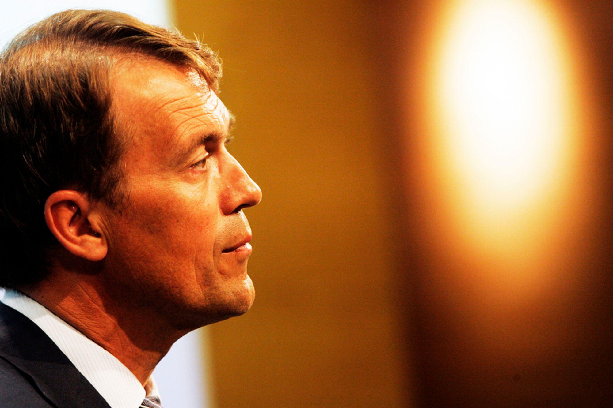 KUTTER: Hydro må kutte på alle fronter. Avtroppende konsernsjef Eivind Reiten gjør det han kan for tilpasse seg de dårlige tidene.