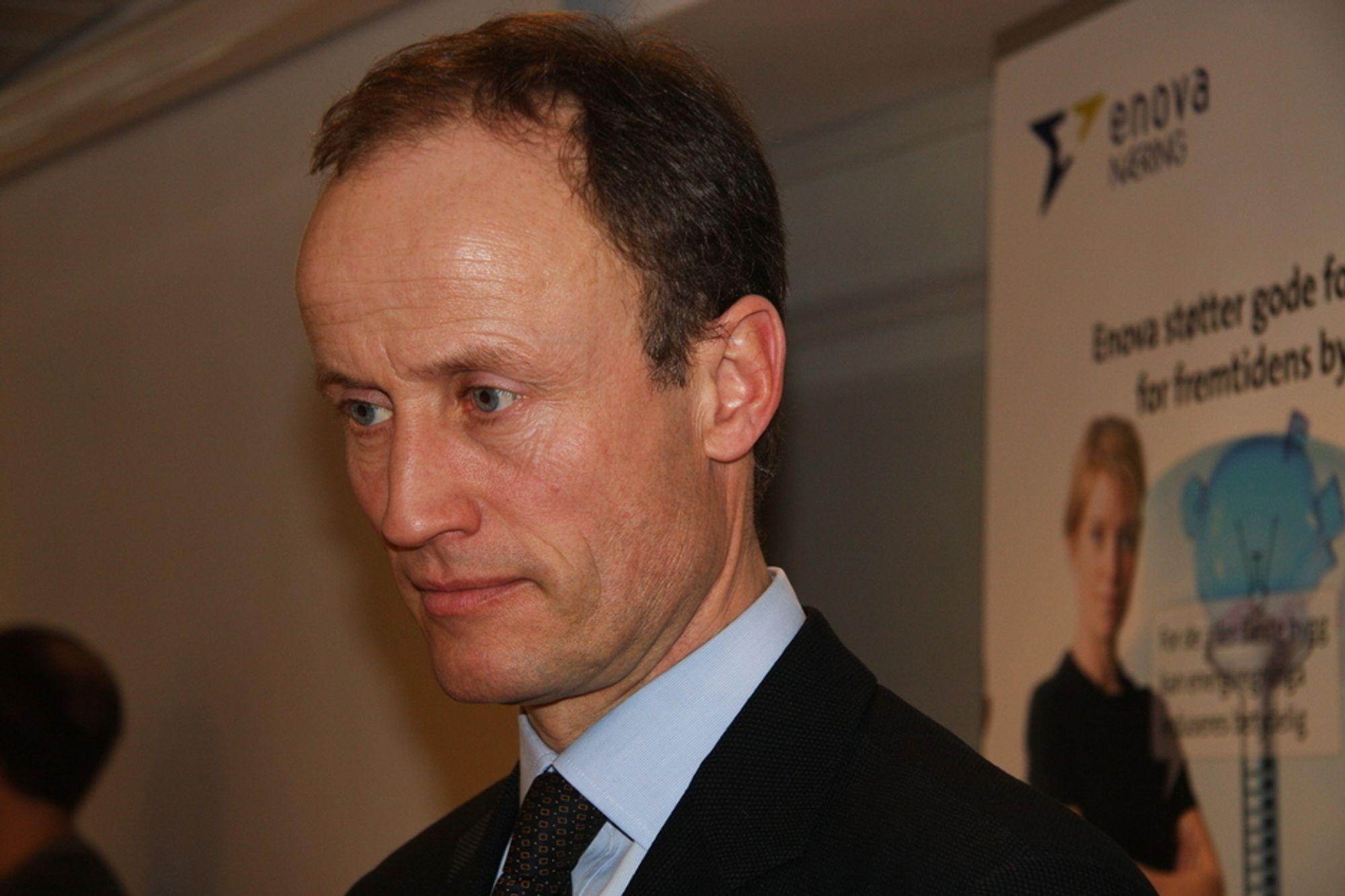TREIG: Administrerende direktør Nils Kristian Nakstad i Enova har bare klart å dele ut  én million av regjeringens tiltakspakke på over en milliard.