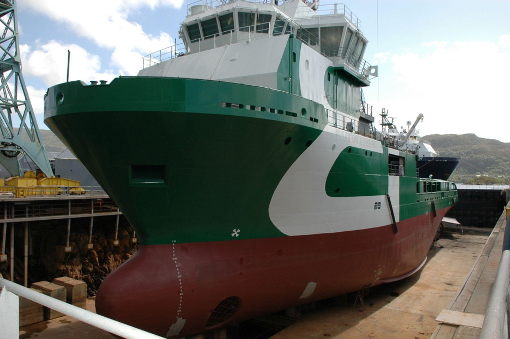Bourbon Dolphin i byggedokk på Ulstein Verft i juni 2006. I oktober samme år ble skipet døpt og overlevert Bourbon Offshore Norway, og i april 2007 kantret det.