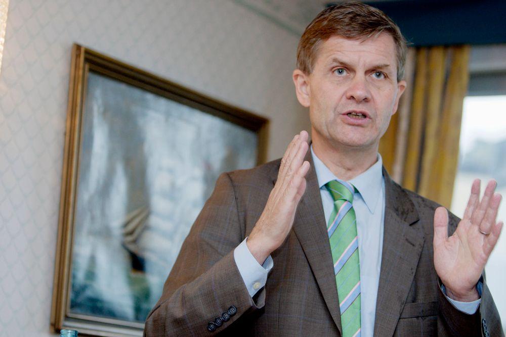 Miljøvern- og utviklingsminister Erik Solheim lanserer valgflesk for de miljøfokuserte foran valget i september.