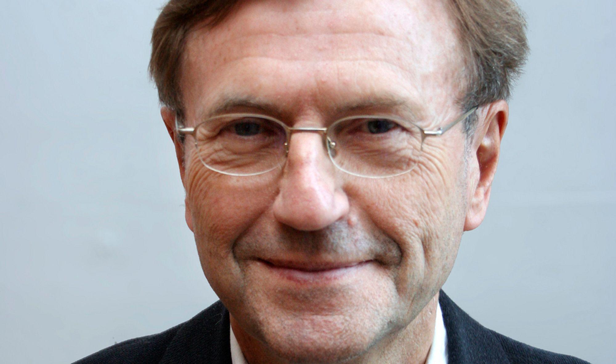 MASTERGRAD: Jarle Aarbakke vil endre gradssystemet i Utdannings-Norge.