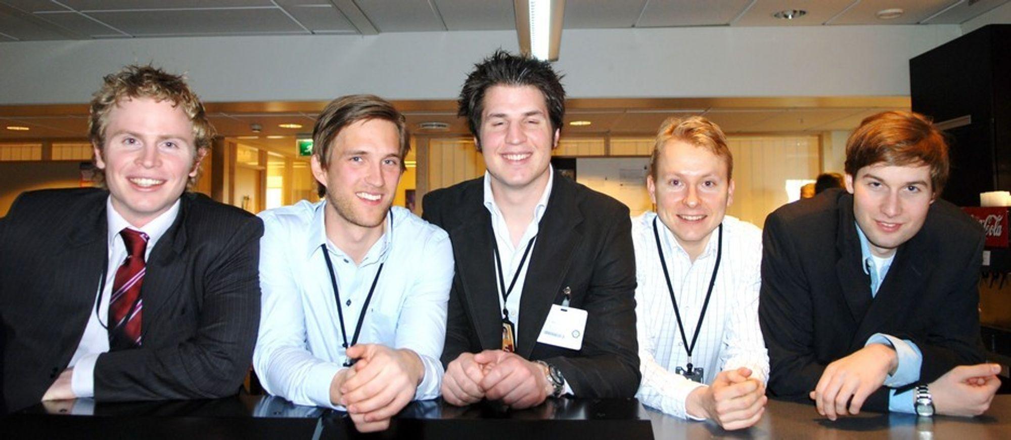 Shells team i Young Professionals-konkurransen. Fra venstre Iain McNeill (Storbritannia), Fredrik Holdhus, Oliver Harding (Storbritannia), Eivind Granås og Jorrit Glastra (Nederland). Xenia Arkhipova (Russland) var ikke tilstede.
