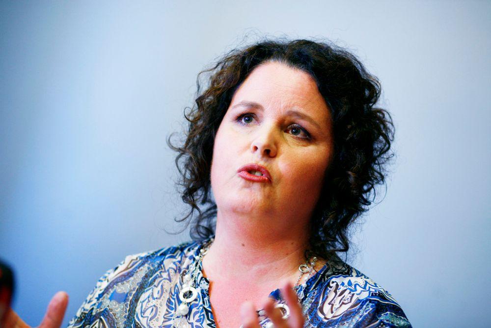 VIL HELT UT AV BANETELE: - En god løsning både for selskapet og de ansatte, mener Næringsminister Sylvia Brustad (Ap).