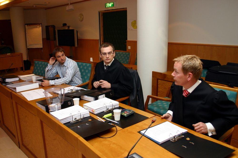 Bilfinger Berger, her representert ved prosjektleder Jan Torka (f.v), advokat Lars Myklebust og advokat Anders Pind tapte erstatningssaken mot staten på alle punkter. Nå er saken anket inn for lagmannsretten.