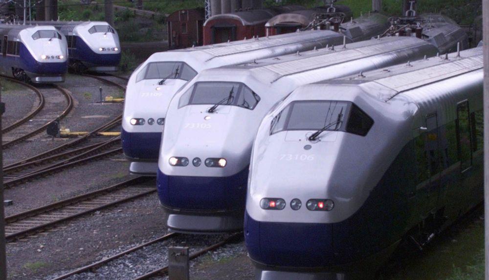 ETIKK: - Det viktigste er å ha tog som går, sier Steinar Nilsen, leder av NSB Persontog. Her problemtoget Signatur.