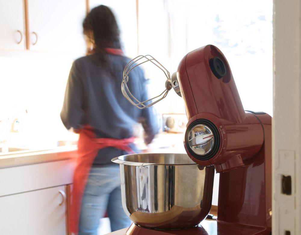 En kjøkkenmaskin kan fort vise seg å bli din beste venn. Vi tester fire av de mest populære.