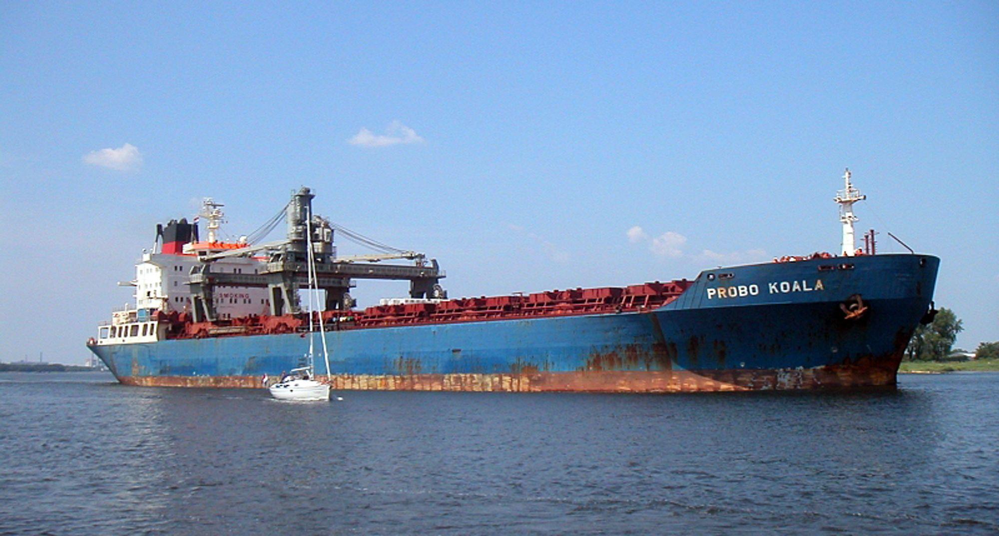 """""""Probo Koala"""" var chartret av Trafigura da skipet kvittet seg giftig avfall i Elfenbenkysten i august 2006. Samme type avfall gikk i lufta i Gulen der søsterskipet """"Probo Emu"""" hadde vært på visitt."""