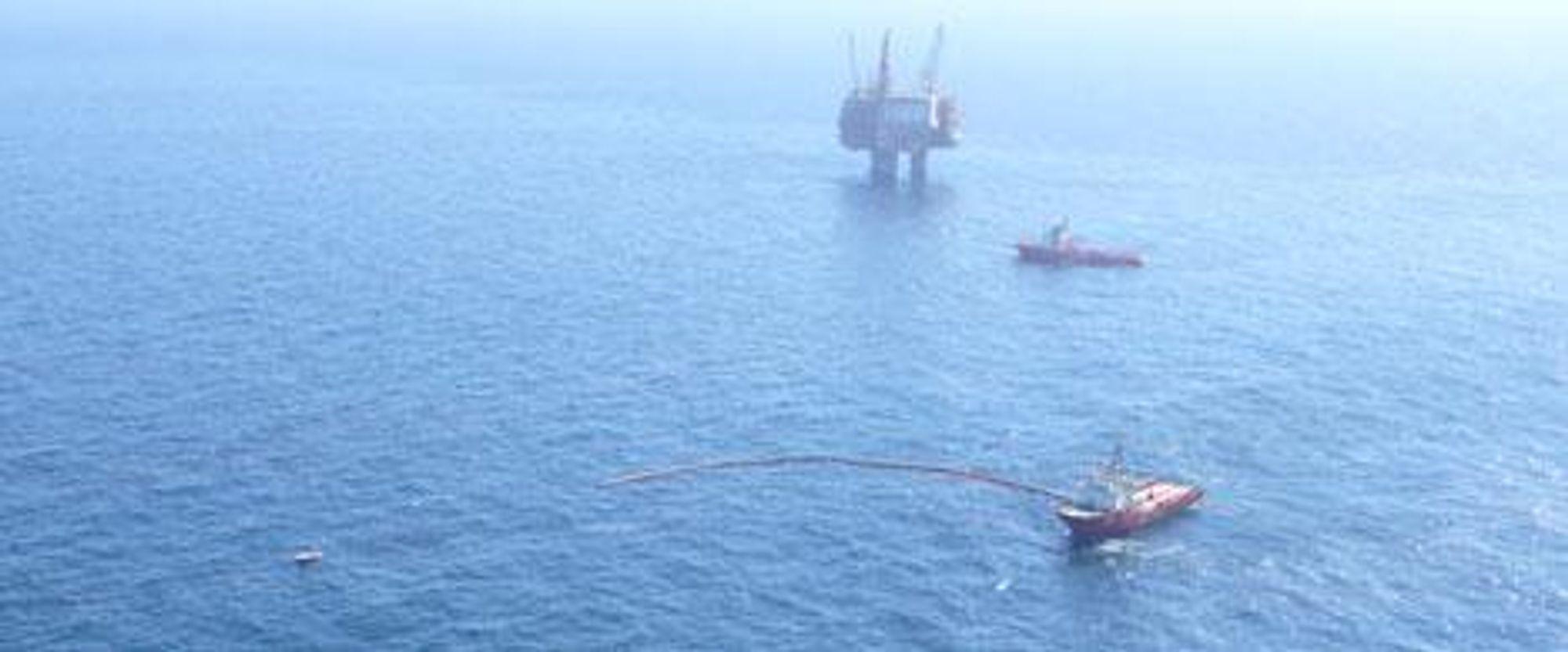 StatoilHydro pumpet ut rundt 1.200 kubikkmeter oljeholdig vann fra det ene skaftet på Statfjord A-plattformen 24. mai.