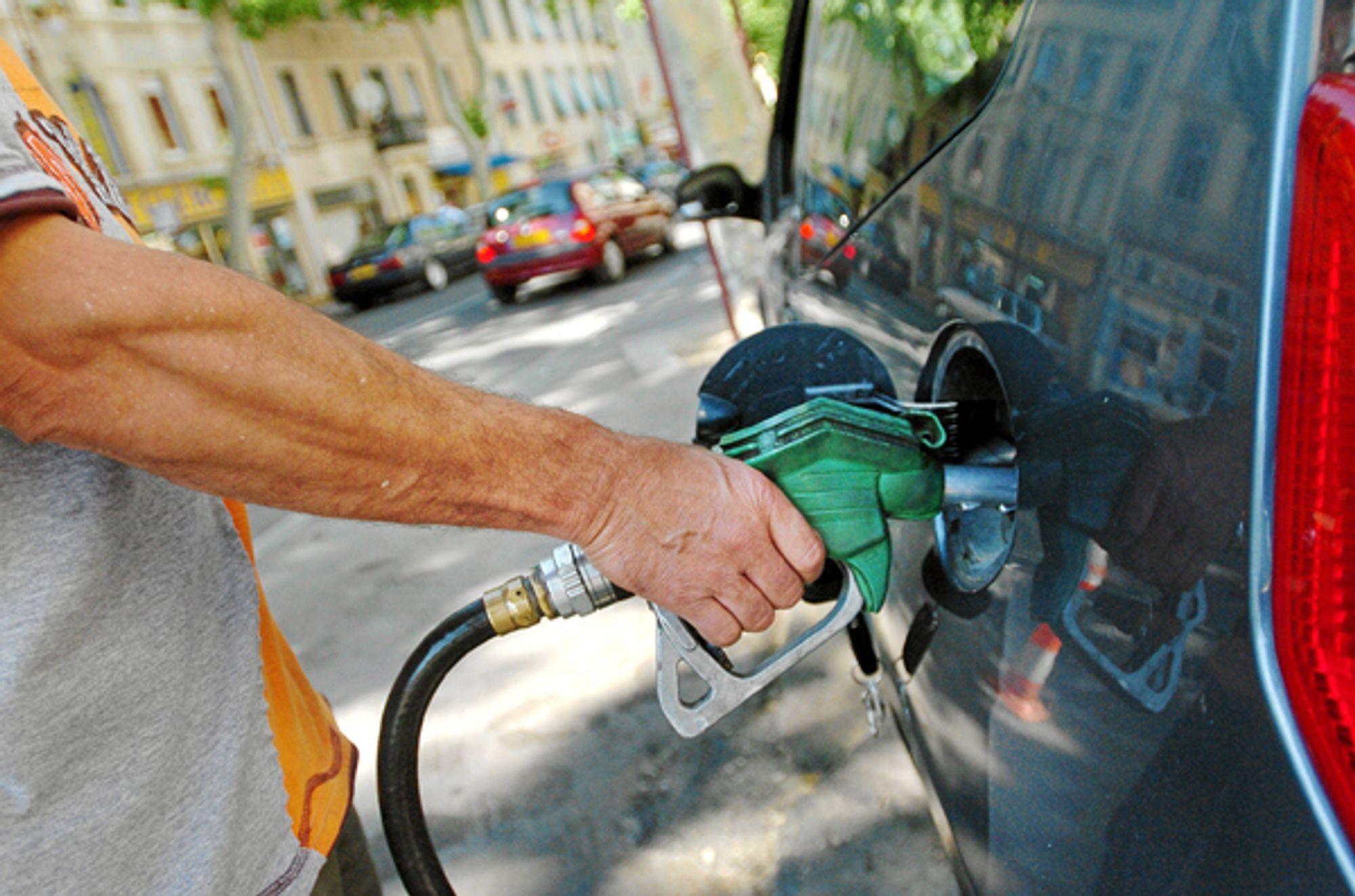 VARER IKKE: Vil du spare noen kroner, lønner det seg å fylle bensin nå. Bensinkrigen vil ikke fortsette.