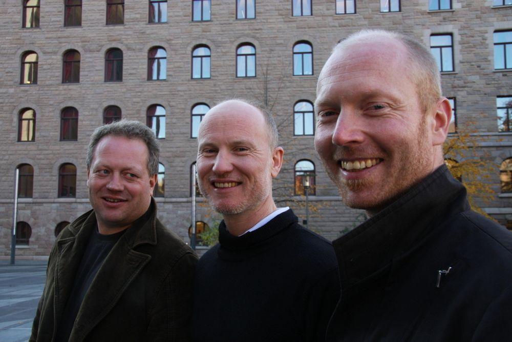 KLIMAKVOTER: Kristian Tangen (fra v.), Per-Otto Wold og Atle Christiansen jobber med klima og CO2-kvoter.