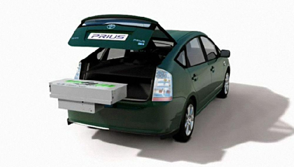 A123s Hymotion-system består av en batteripakke som monteres i reservehjulsbrønnen på en ordinær Toyota Prius og konverterer den til en plug-in-hybrid.