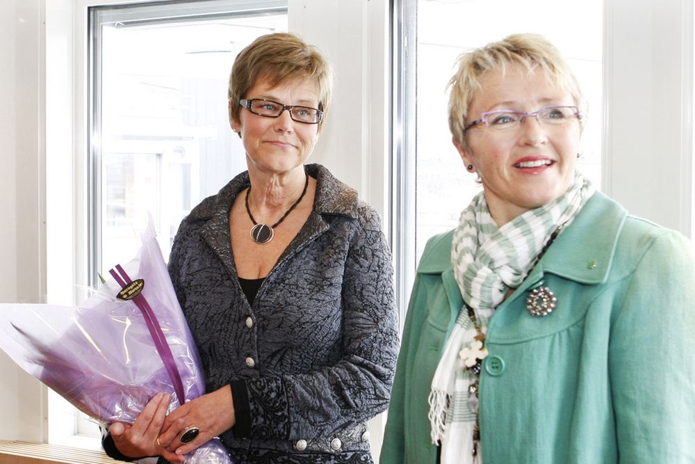 Elisabeth Enger (tv) ble fredag utnevnt til ny jernbanedirektør av samferdeselsminister Liv Signe Navarsete
