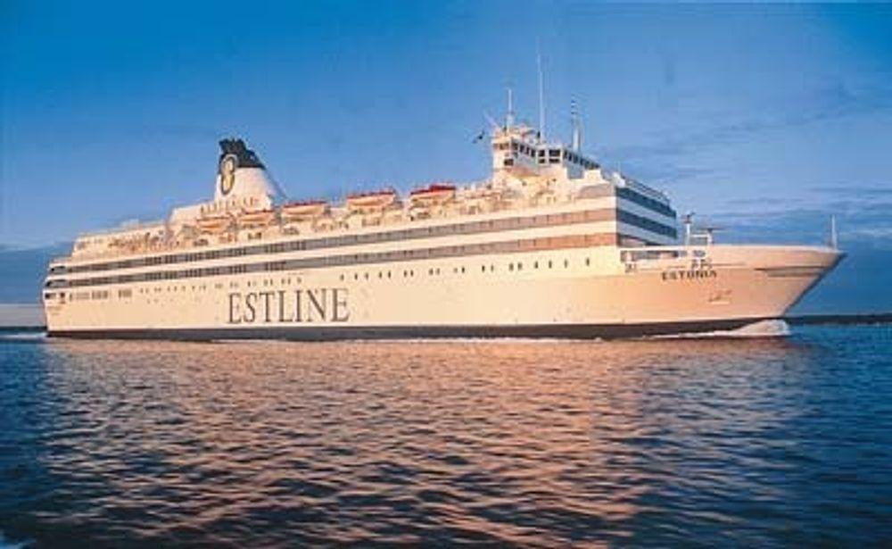FORLIST: Fergen Estonia var stor og moderne. Fra 1. februar 1993 trafikkkerte fergen srekningen mellom Estland og Sveriges hovedsteder. 28. september 1994 ble baugporten slått av og skipet sank.
