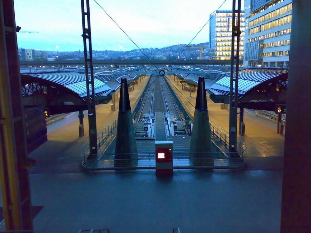 Tomt for tog på Oslo S onsdag morgen,16. januar. Ifølge NSB var det jordingsfeil som slo ut signaanlegget. Store mengder regn siste dagene kan være årsak til feilen.