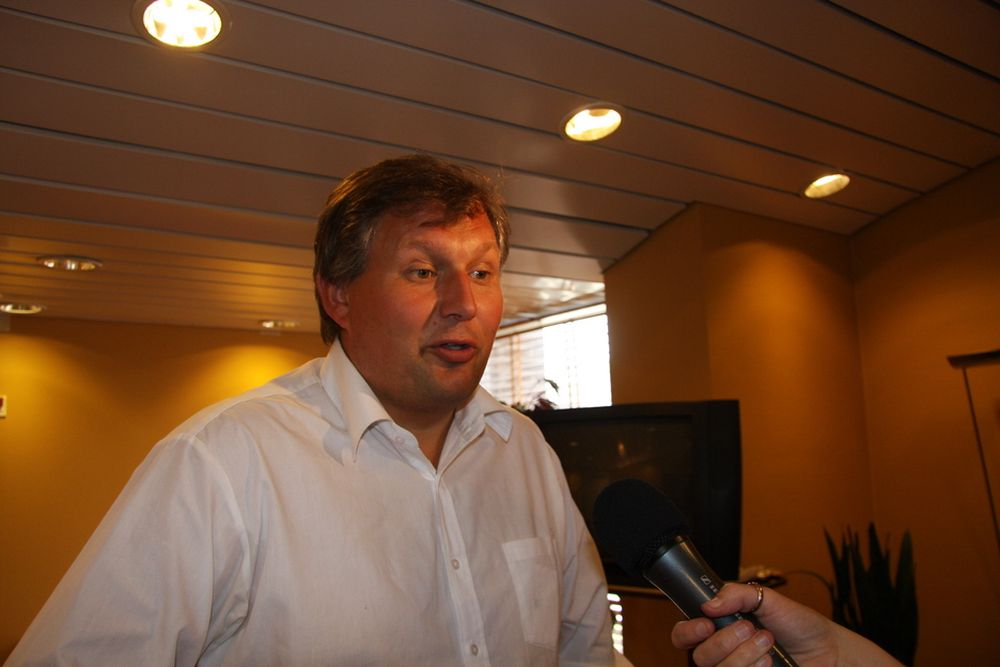 Olje- og energiminister Terje Riis-Johansen snakket med TU.no før han dro til Beijing-OL. Ministeren sier han vil jobbe for å få ned utslippene fra oljesektoren.