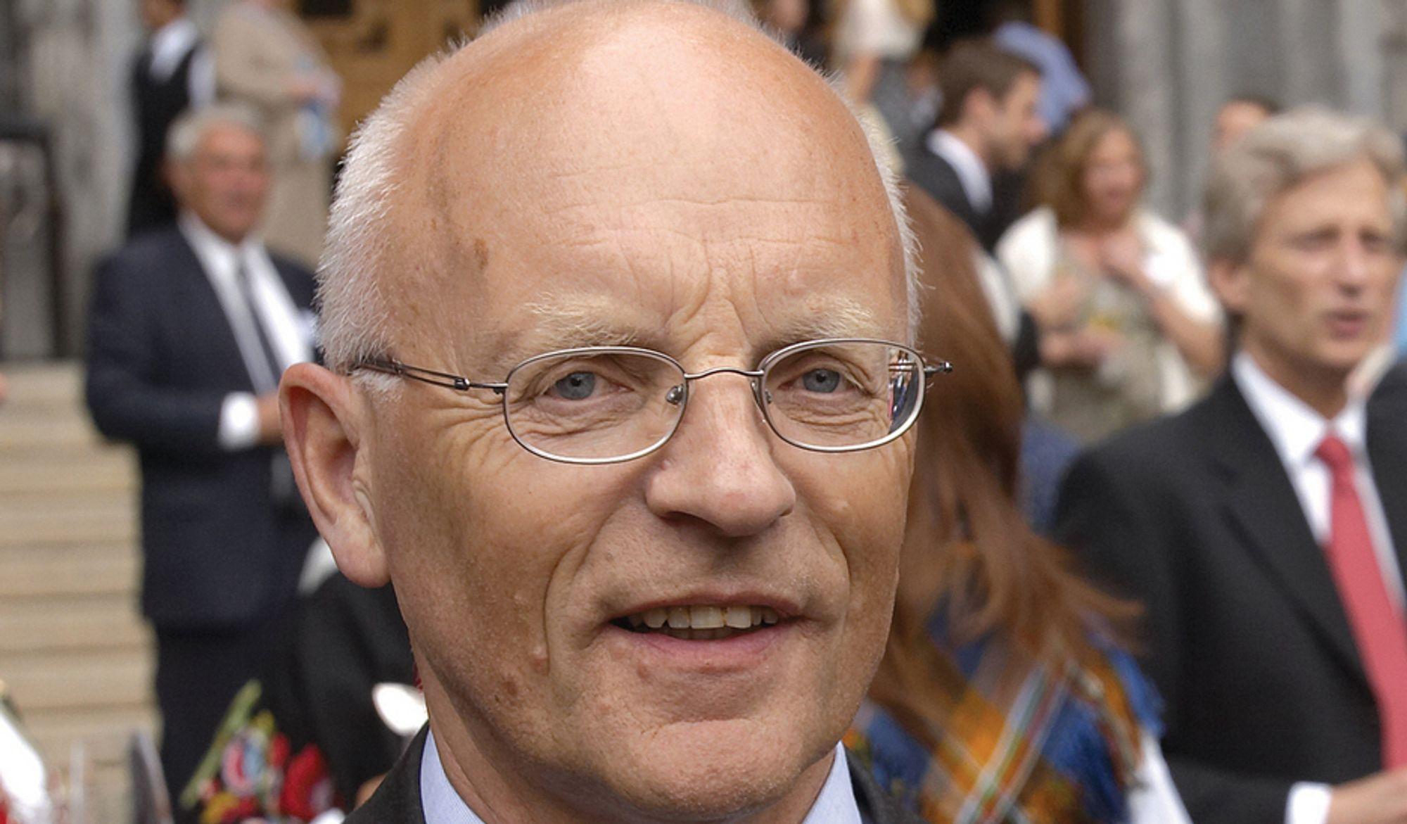VASK: Flere betaler andre for å gjøre det de selv ikke ønsker å gjøre, sier BI-amanuensis Hans Mathias Thjømøe.