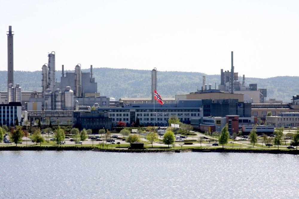 PILOTFABRIKK: Her i Herøya industripark i Porsgrunn bygger Hydro en pilotfabrikk for fremstilling av superrent silisium.