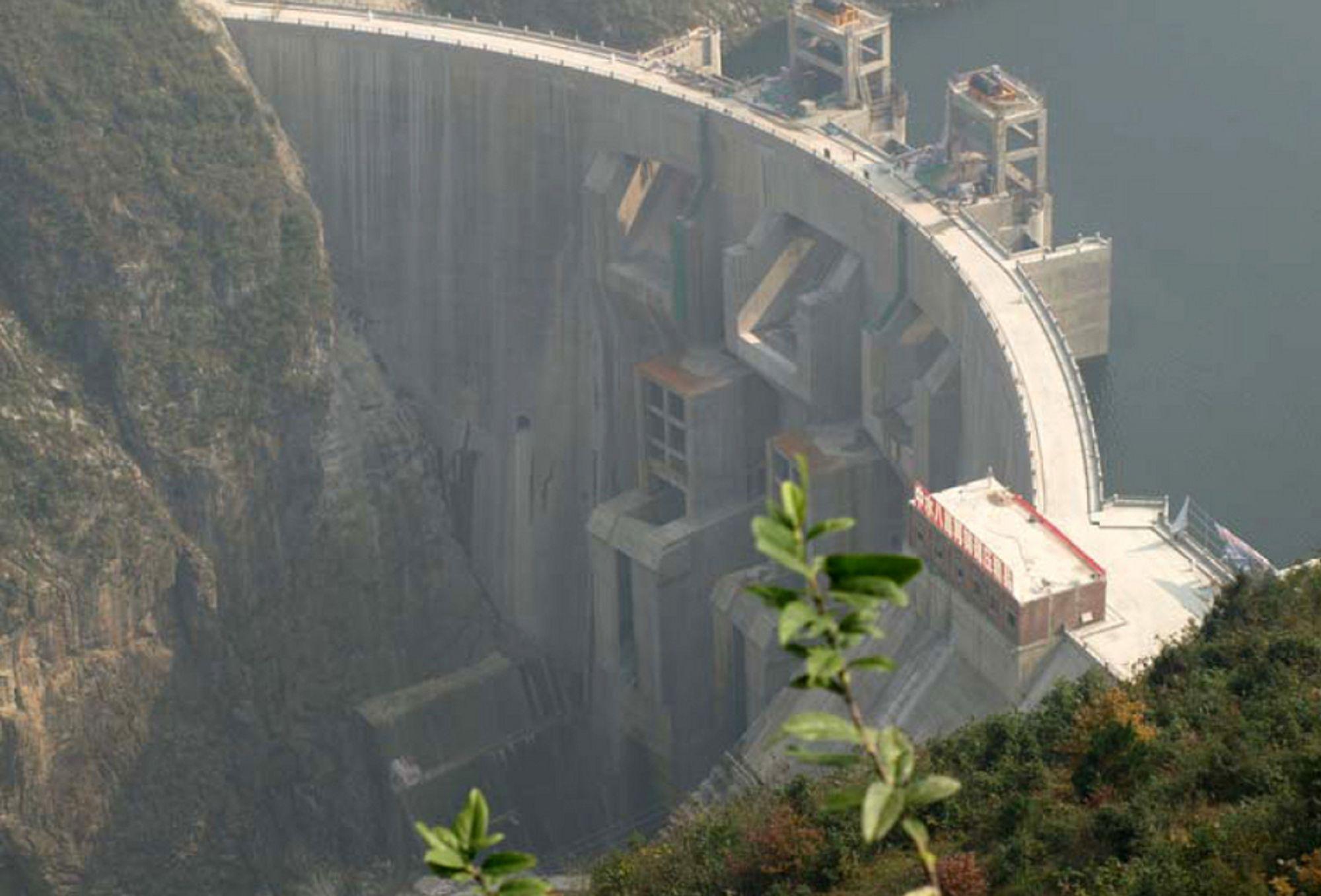FORTSATT IKKE GODKJENT: Vannkraftverket Dahuashui i Quingshui-elven, i Guizhou-provinsen sør i Kina, skal gi Norge klimakvoter for å slippe ut 195.000 tonn CO2 hvert år fra 2008 til 2012. Men først må vannkraftverket godkjennes som klimaprosjekt i FN.