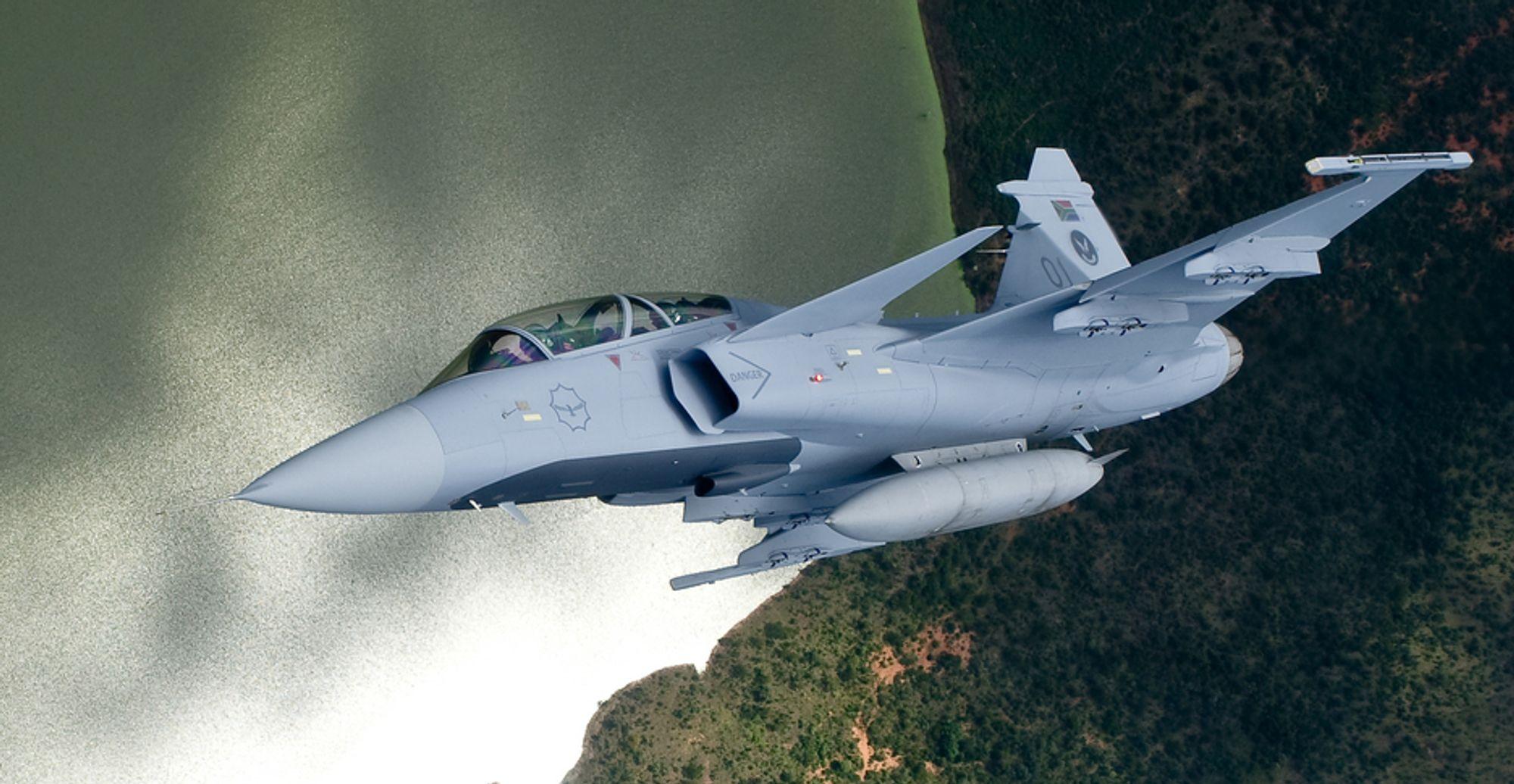 Saab har nå kun Danmark igjen av Nato-landene å kjempe om når det gjelder nye jagerflykontrakter. Dette er et sørafrikansk Gripen.