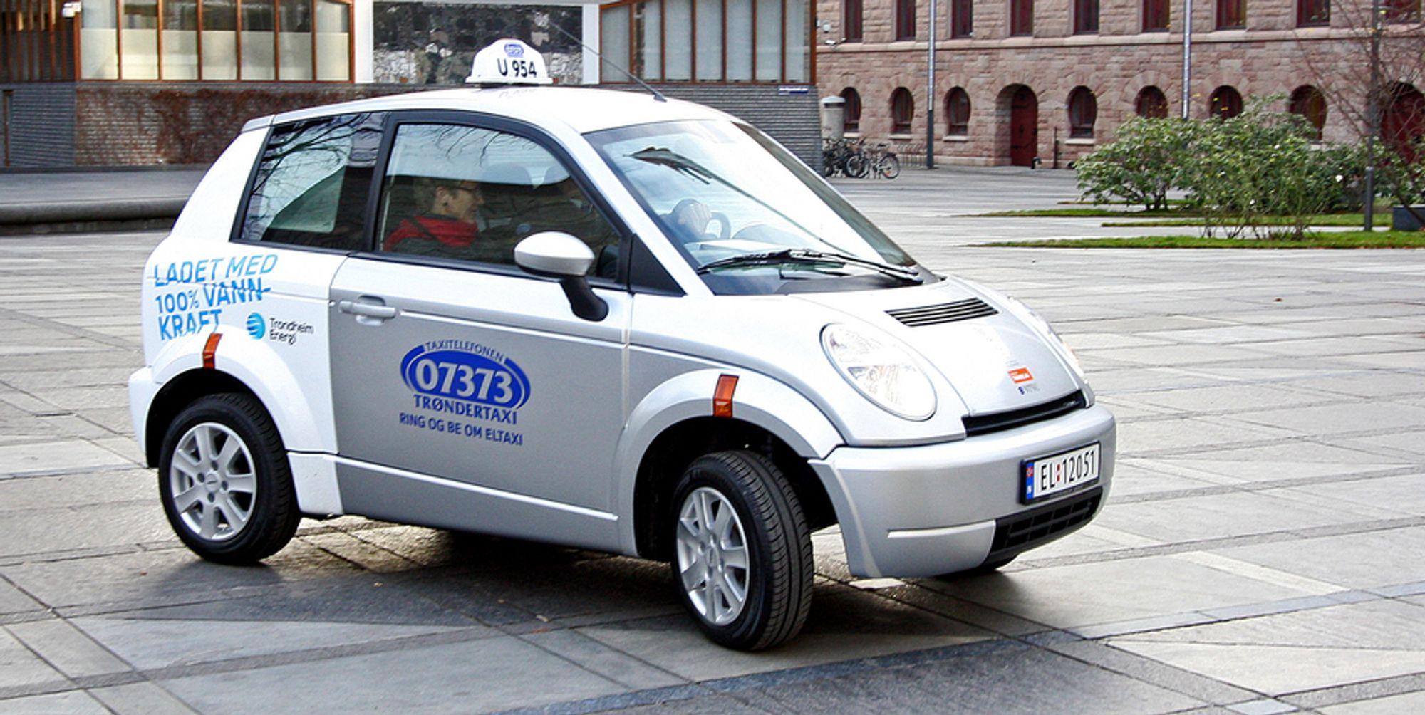 I går ble de første Think-taxiene vist for første gang. Samme dag ble elbilprodusenten tildelt Norsk Forms Hederspris.
