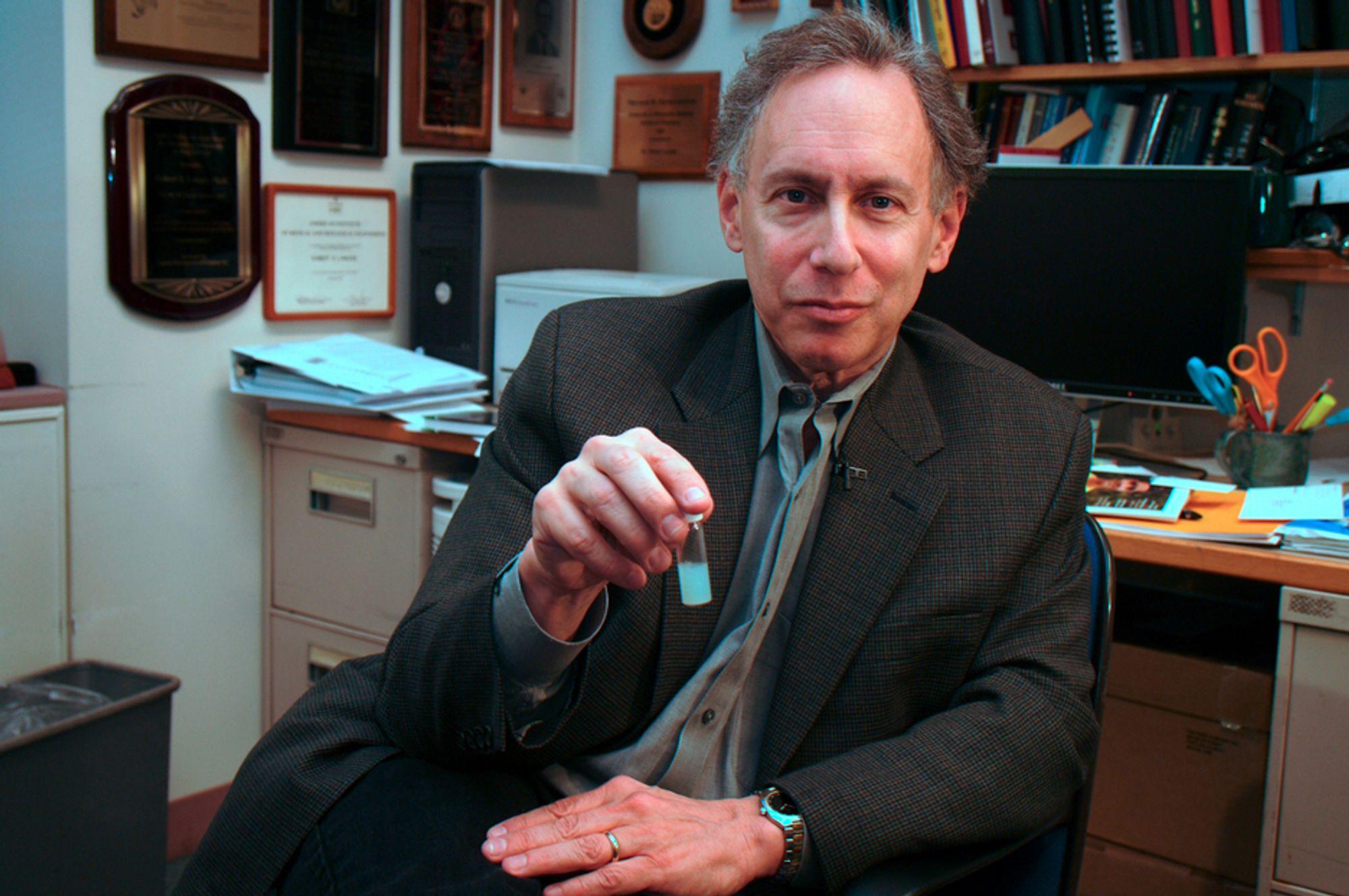Professor Robert Langer ved MIT mottok onsdag årets Millennium Technology-pris.