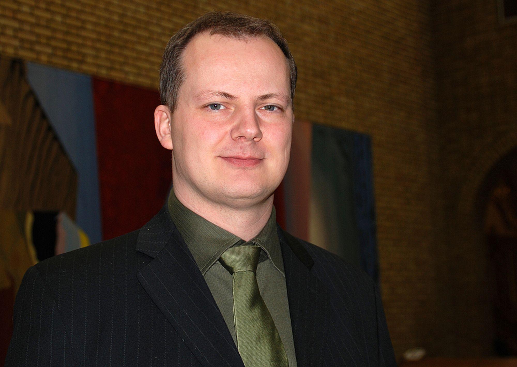 Frps energipolitiske talsmann, Ketil Solvik-Olsen, vil sette i gang en ny debatt om vannkraft og vern av vassdrag.