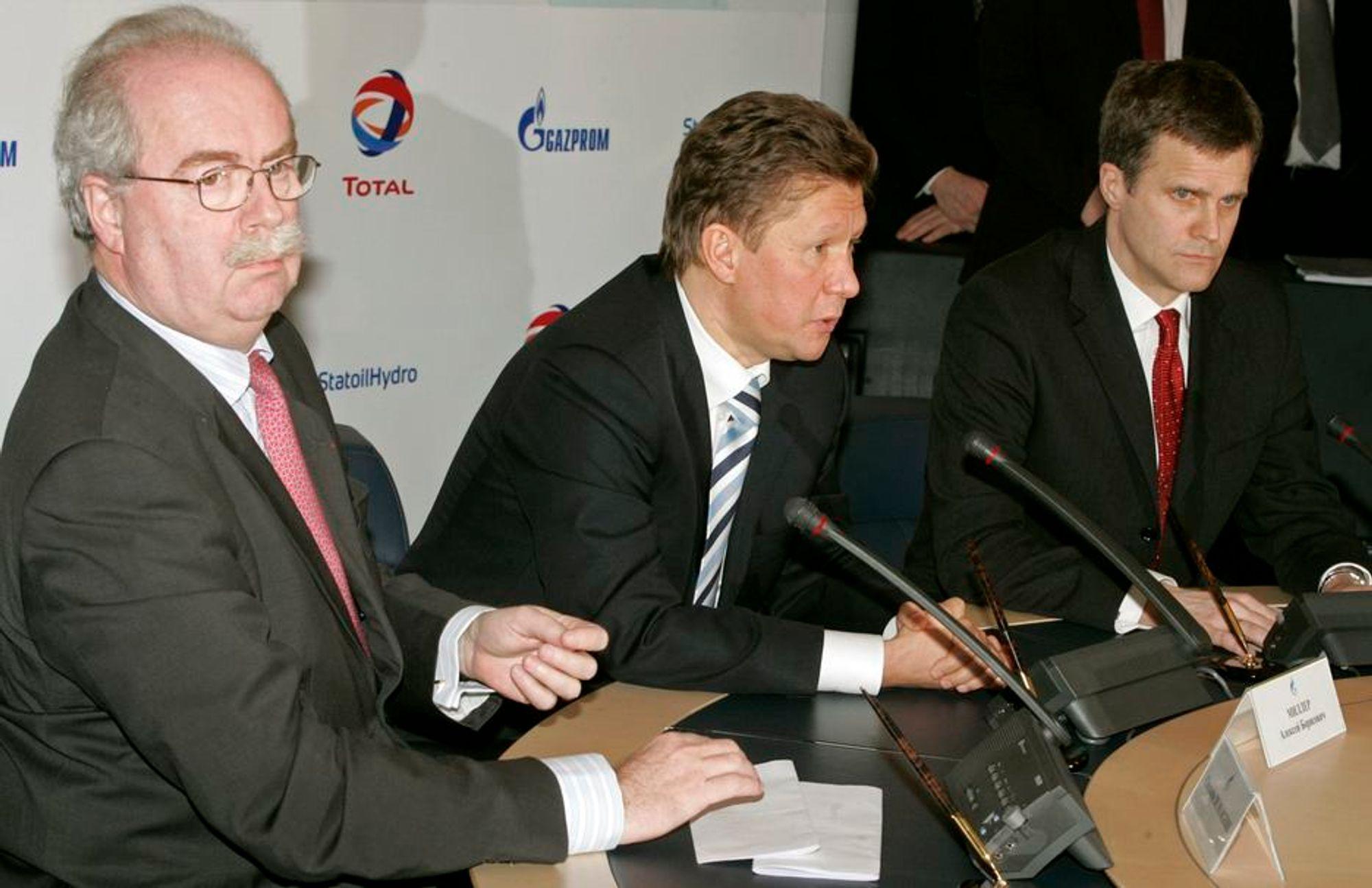 Mektig trio: StatoilHydro-sjef Helge Lund, Totals øverste leder Christophe de Margerie og Gazproms Alexei Miller samarbeider om utbyggingen av det gigantiske Sjtokman-feltet.